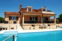 Apartment with pool in Bale, Istria, Croatia