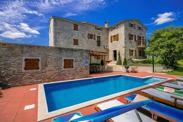 Villa with pool in Vizinada, Istria