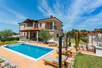 Ferienhaus mit Pool für 10 Personen in Vizinada