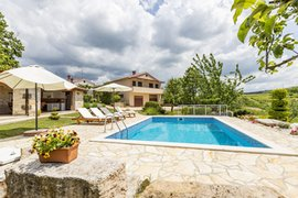 Holiday home with pool in Karojba, Istria