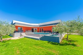 Villa with pool for 10 persons in Krnica, Istria, Croatia