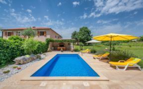 Villa with pool in Zminj, Istria