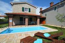 Villa Petra with pool in Porec-Buici