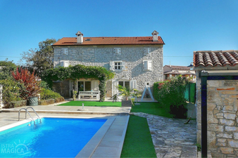 Holiday home with pool in Bale, Istria