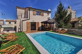 Villa with pool for 8 persons in Bale, Istria, Croatia