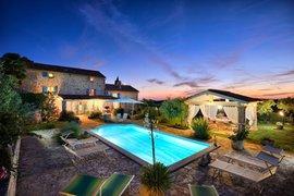 Villa with pool for 8 persons in Vizinada, Istria, Croatia