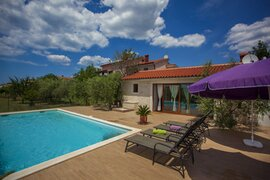 Ferienhaus mit Pool in Fazana-Valbandon